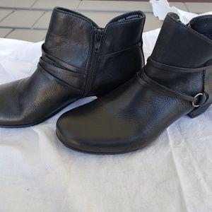 Abeo Bio System Maya Black Ankle Boots Sz9.5M